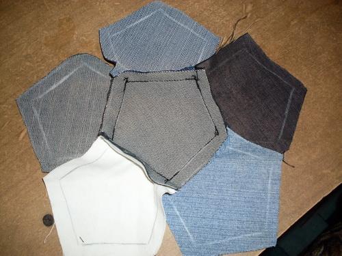 шьем детям из старых джинсов.